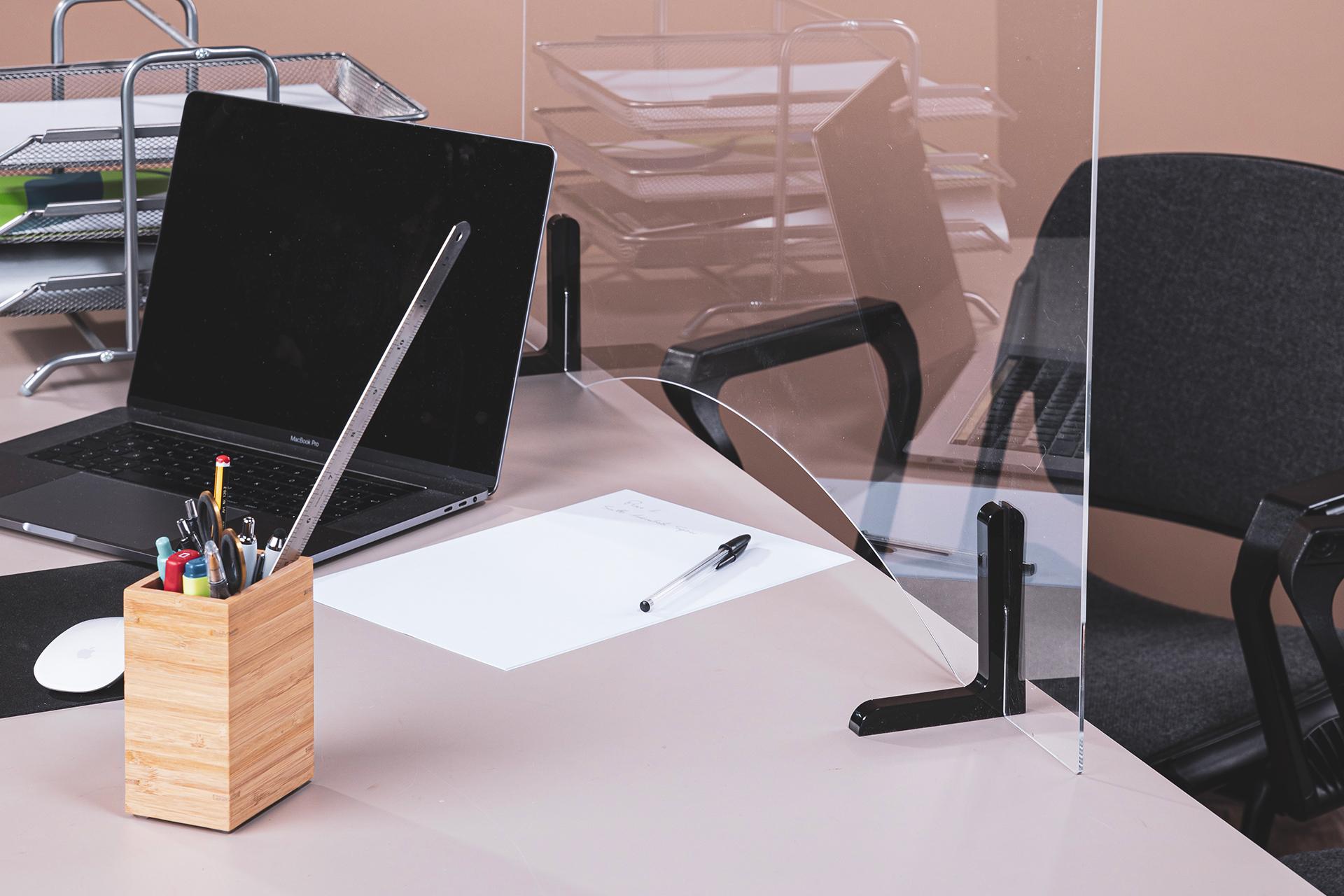 Divisori In Plexiglass Per Esterni pannelli divisori per postazioni lavorative - plexi art